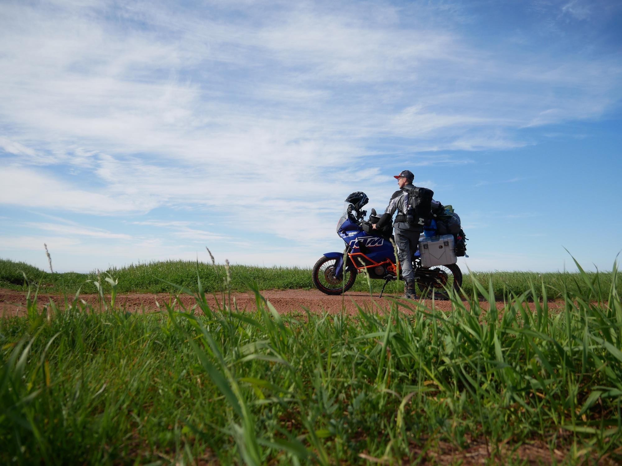 Georg mit KTM am Nordkap der Prince Edward Island