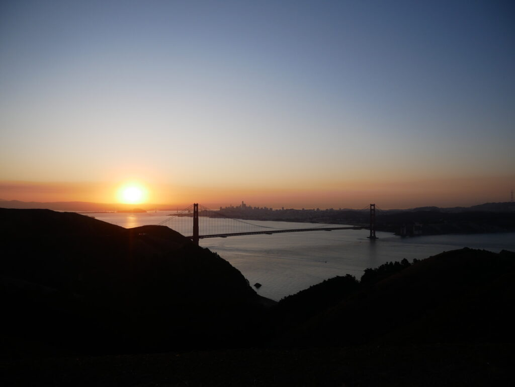 Sonnenaufgang Golden Gate Bridge