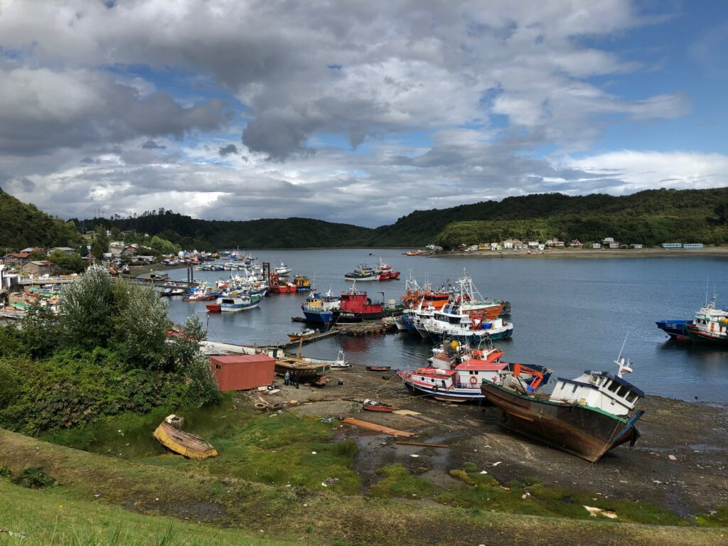 Schiffe bei Puerto Montt