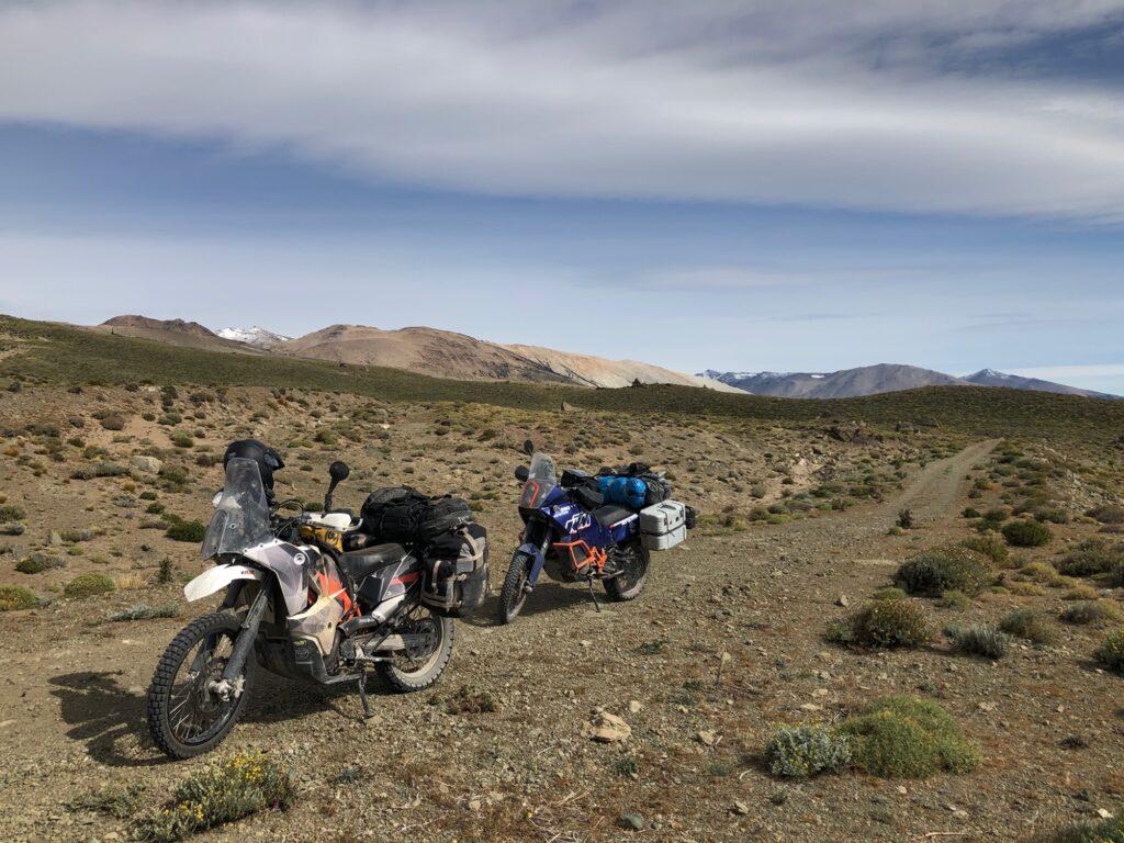 KTM 690 und 990 auf dem Berg